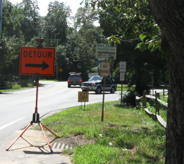 Detour sign at North Rd.