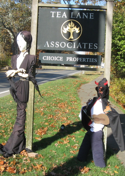 Devil Lady and Li'l Devil @ Tea Lane Associates