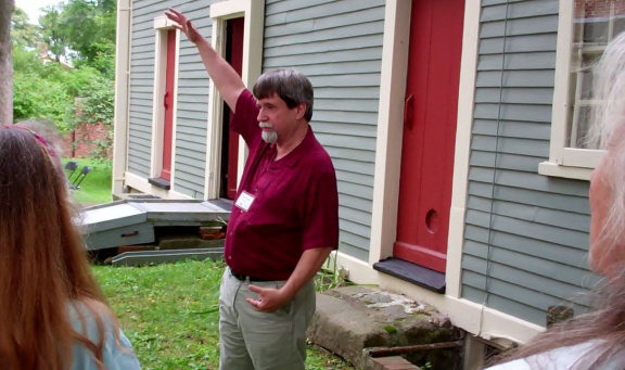 Tom Lincoln, executive director of the Royall House and Slave Quarters, gave us a tour before we sang.